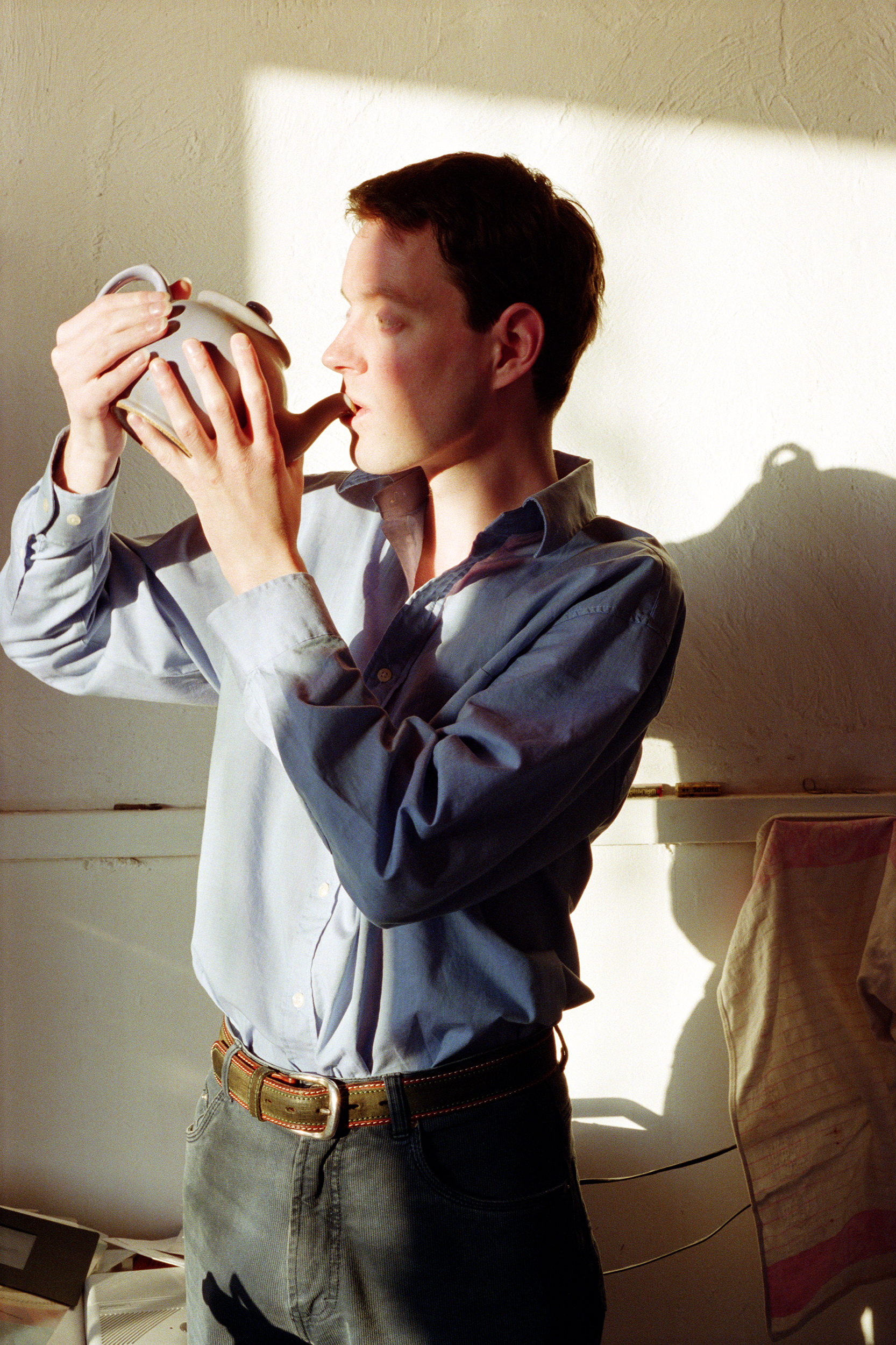 Self-portrait with Teapot, photograph by Wouter van Riessen